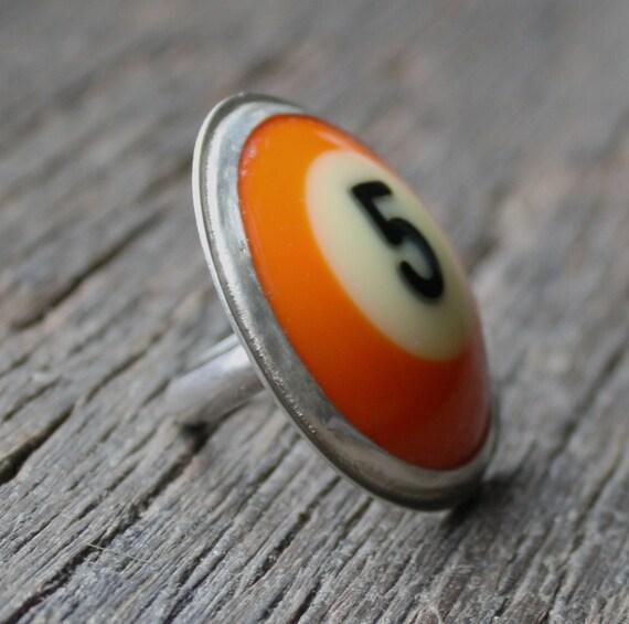 Vintage Bakelite Pool Ball Ring - Number 5