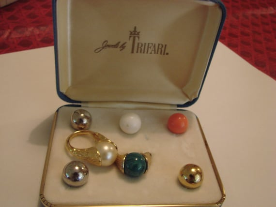 Ring With Interchangeable Balls