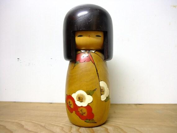 Japanese Kokeshi Doll - Usaburo Okappa Camellia