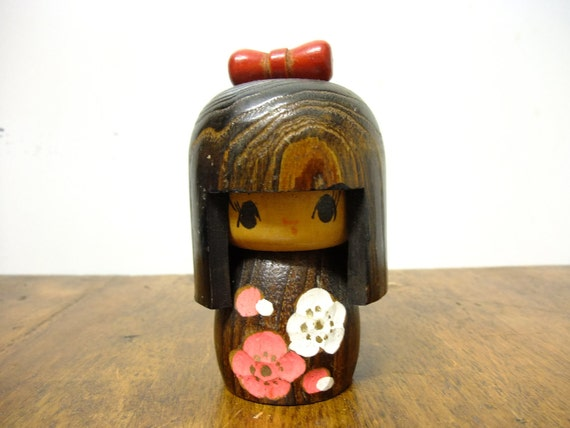 Japanese Kokeshi Doll - Red Bow