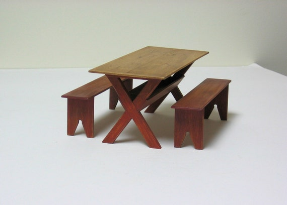 Sawbuck Table With Two Benches - 1/12th scale