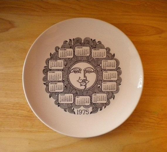 GROOVY 1975 Calender Plate
