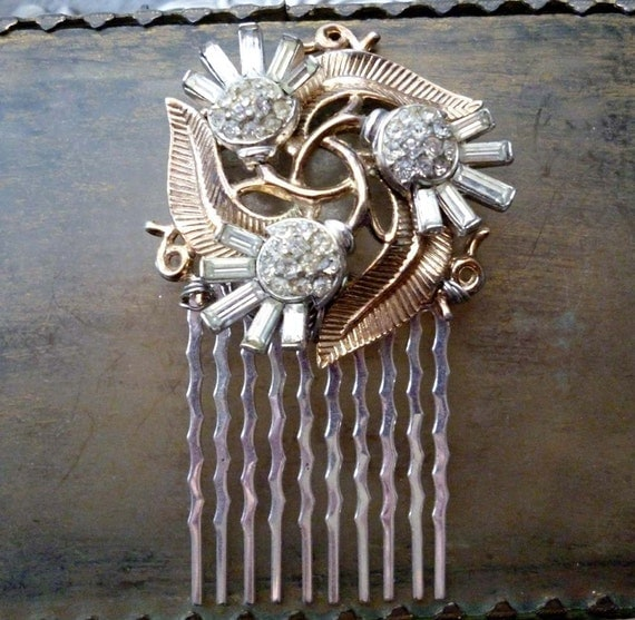 Vintage Art Deco Trifari Rhinestone Hair Comb - Gold Leaf Bridal Headpiece