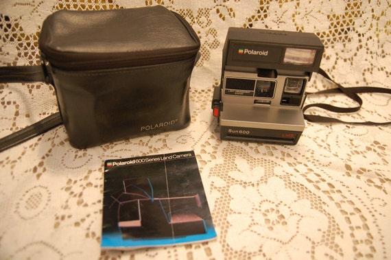Polaroid Sun 600 Camera with Bag and Manual