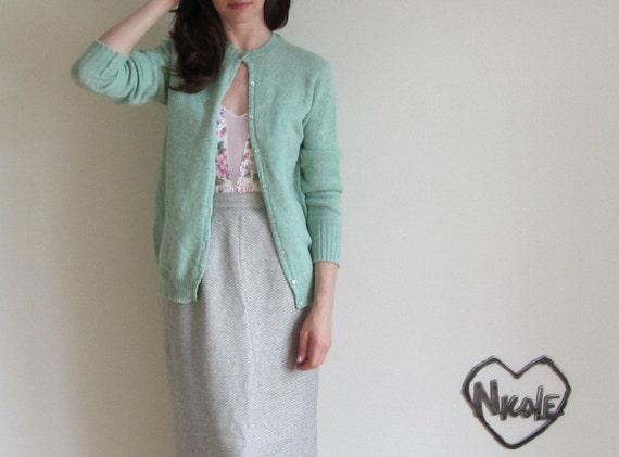 minty green 1950 cardigan . pale wool seafoam librarian sweater .medium