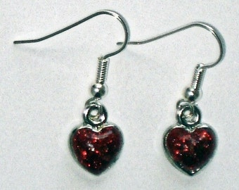 Petite sparkling red hearts