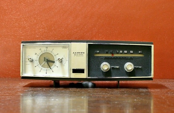 1965 Lloyd's AM 2 Speaker Clock Radio