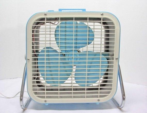 Lakewood Box Fan : Vintage blue lakewood electric box fan
