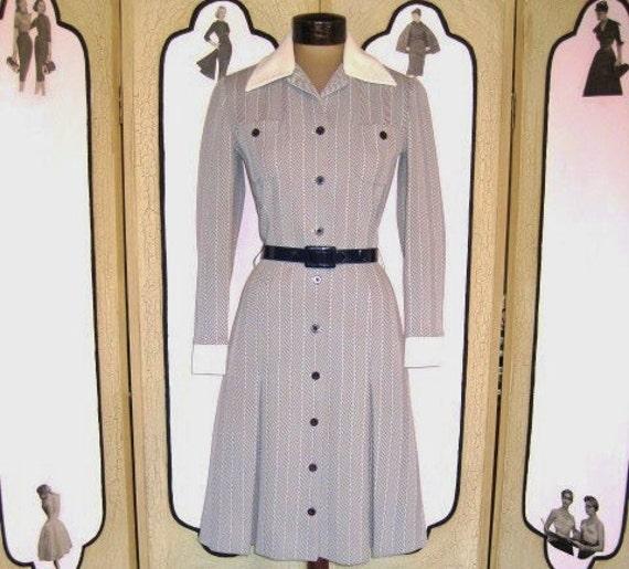 Vintage Early 1970's Navy Herringbone Prep School Dress by Butte Knit. Small.