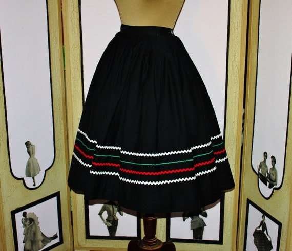 Vintage 1950's Black Cotton Full Skirt with Fiesta Ric-Rack Trim. Small.