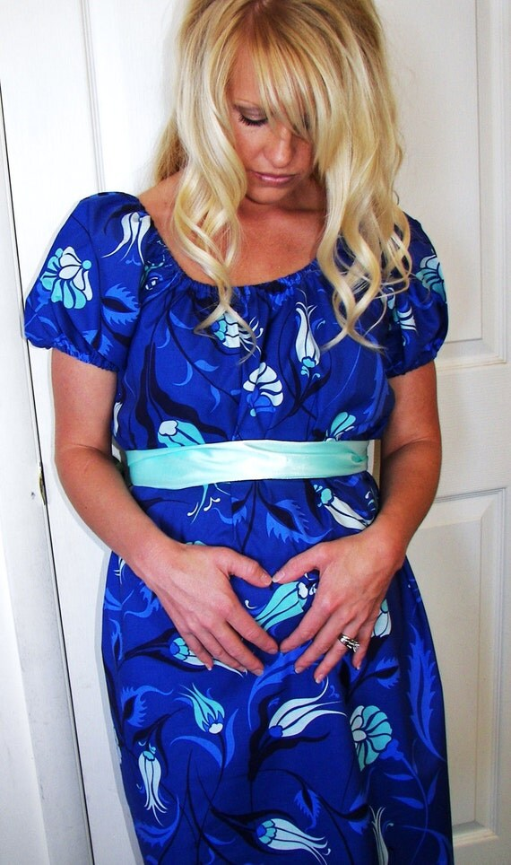 Joni...  Chic Maternity Hospital Gown-Dress...  Designer Fabric.... Up to a size Large Only... Last One