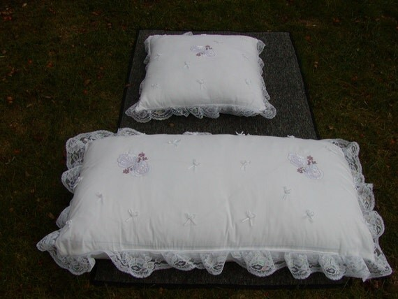 Wedding Kneeling Pillows Need A Pillow To Kneel On By Spurdy46