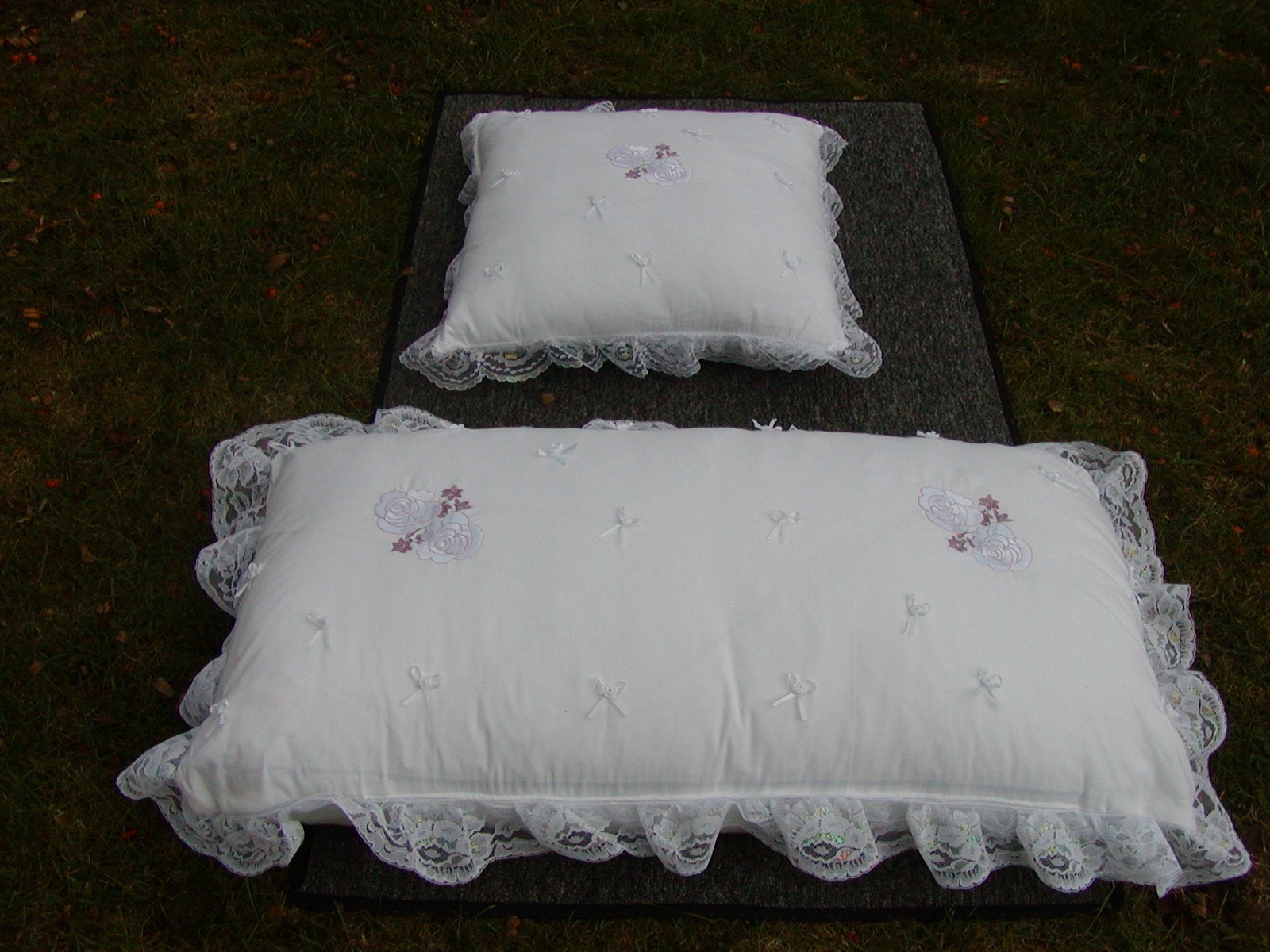 Wedding Kneeling Pillows Need A Pillow To Kneel On During The