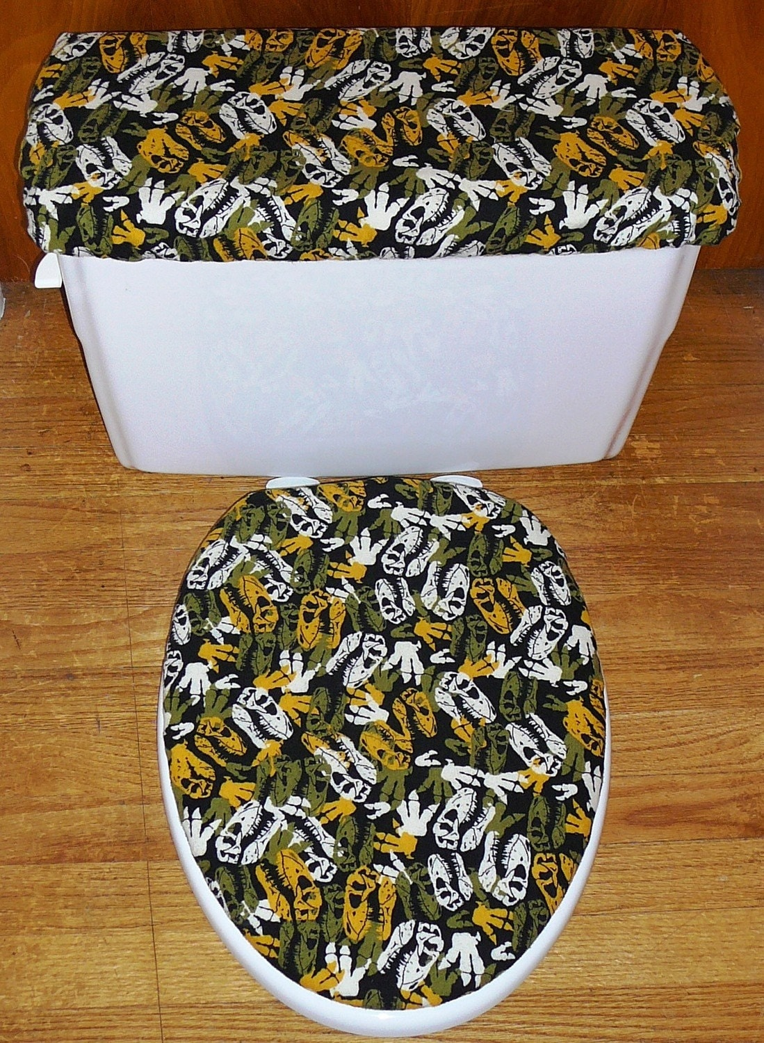 Dino Fun Toilet Seat Cover and Tank Lid by kimsclassycommodes