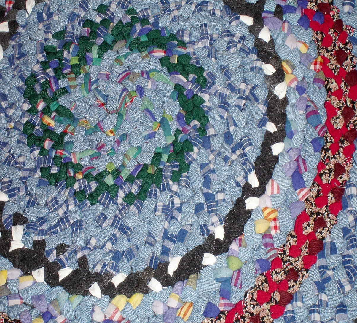 Farmer Jones 40 Inch Braided Rug In Recycled Denim And Cotton