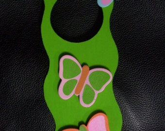 girls BUTTERFLY DOORKNOB HANGER sign room decoration decor green pink