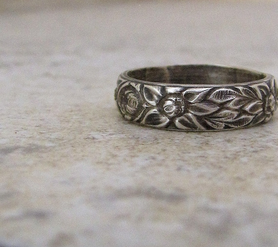 Floral Silver Ring Antiqued Wedding Band Womens Wedding Ring