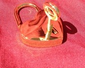 Large Heart-shaped Gold-Colored  Working Padlock