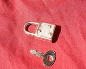 Light Weight silver Colored  Working Padlock