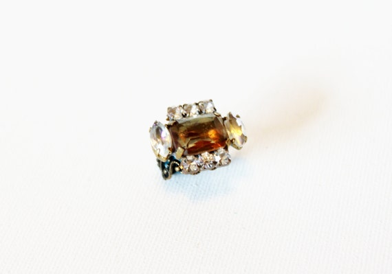 vintage ring 1940s handmade assemblage czech rhinestone topaz and clear prong set brass adjustable