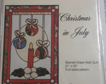 Lovenest Designs Christmas in July Wall Hanging Pattern
