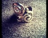 Swirly Whirly Thumb Ring