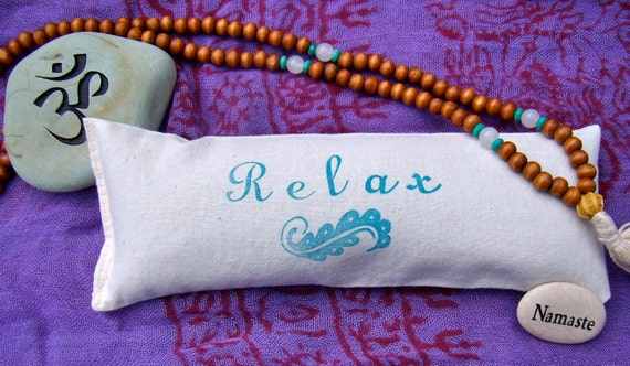 Eye pillow with lavender and flax seed for relaxation, meditation, yoga, savasana . Relax print.
