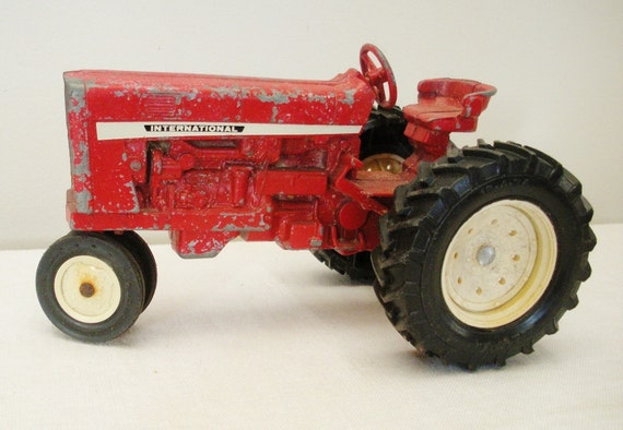 Vintage Red Die Cast Ertl International Tractor