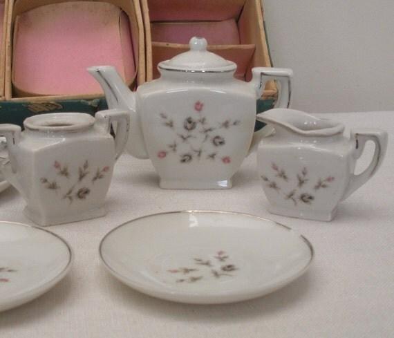 vintage 11 pc porcelain child 39 s tea set made in japan. Black Bedroom Furniture Sets. Home Design Ideas