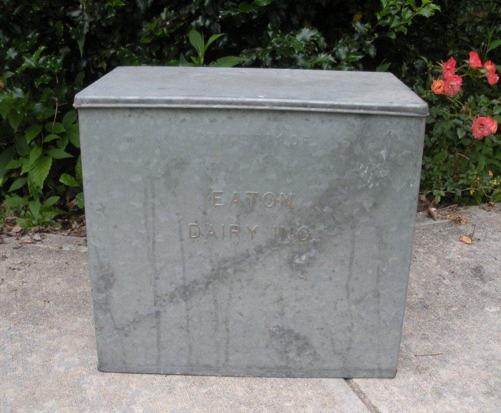 vintage galvanized metal milk box dairy by wildroseprimitives. Black Bedroom Furniture Sets. Home Design Ideas