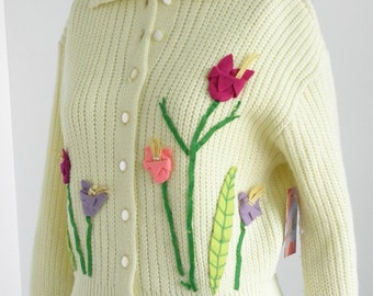 1950's Vintage  Jernat  Yellow Knit Sweater with Tulips