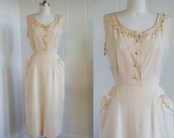 1950's Vintage Cream Wiggle dress with Pockets, Rhinestones and Faux Pearls L