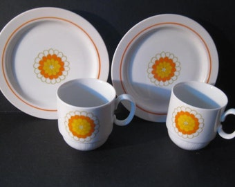 Retro Georges Briard Florette Cups & Dessert Plates, pair,pop art, 1960s 1970s, TheRetroLife