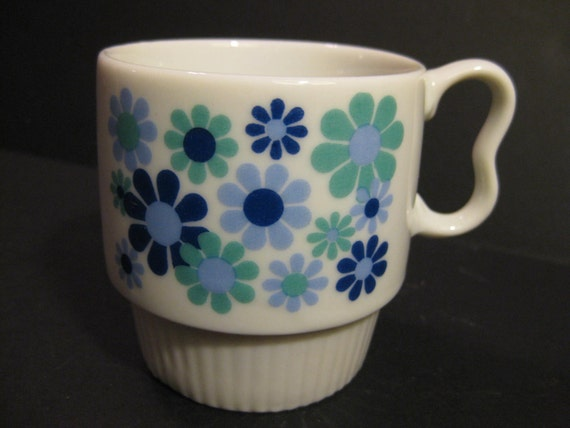 Retro Flower Power Mug with Blue Green Daisies, 1960s, 1970s,on Etsy by TheRetroLife