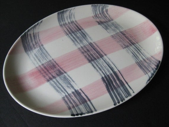 Retro Scotts Clan Pink and Gray Plaid Platter Stetson, Marcrest Pink n' Charcoal, 1950s, 1960s, on Etsy by TheRetroLife