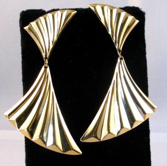 80s gold tone big dangling fan vintage pierced earrings