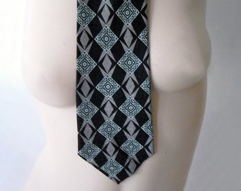 VINTAGE HARLEQUIN PATTERNED GEOFFREY BEENE 100 PERCENT SILK LATE 70'S TIE - MY DAD'S