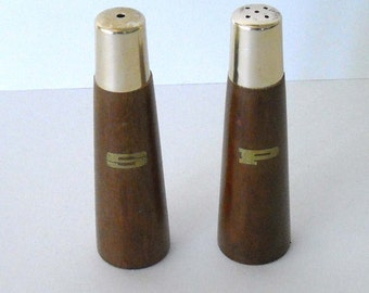 vintage mid century modern era wood and goldtone salt & pepper shakers