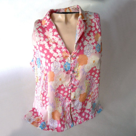 VINTAGE SILKY SOFT 70'S BOHEMAIN SLEEVELESS BLOUSE WITH FROG CLOSURES - JUST IN TIME FOR SUMMER