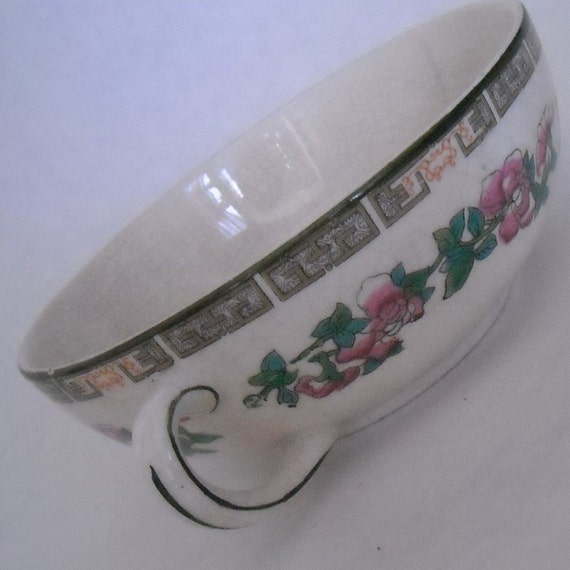 Vintage Porcelain Crackled Finish 2 Handled Decorated Dish/Bowl From England