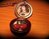 RETRO CUTE Vintage 50s DeadStock Locket With Cherry and Bettie Page