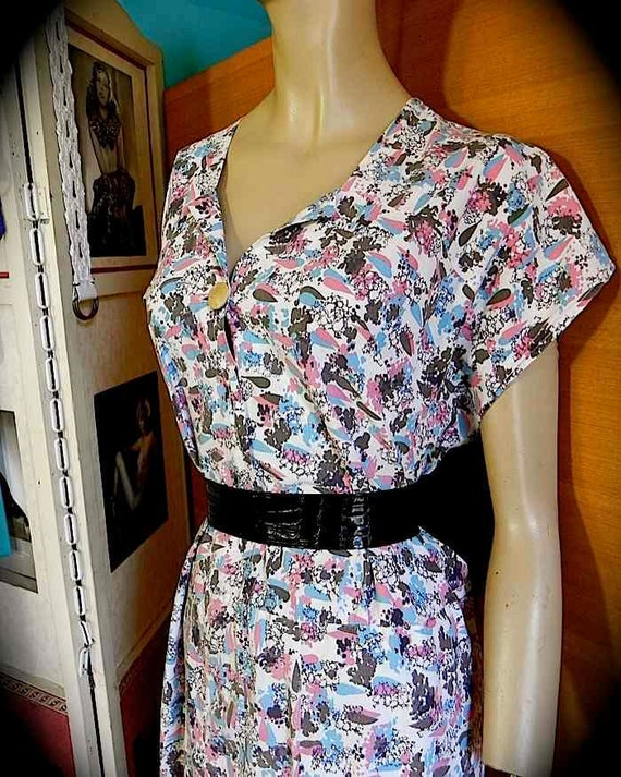 FAB Pink Turquoise and Chocolate Atomic Print Vintage 40s 50s Dress XXL PLUS