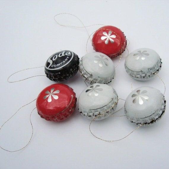 Soda bottle caps christmas ornaments spheres recycled upcycled for Bottle cap christmas crafts