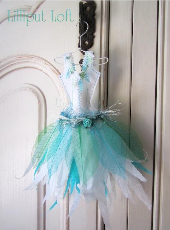 Papier Boudoir Boutique  Little paper dress - Winter leaves