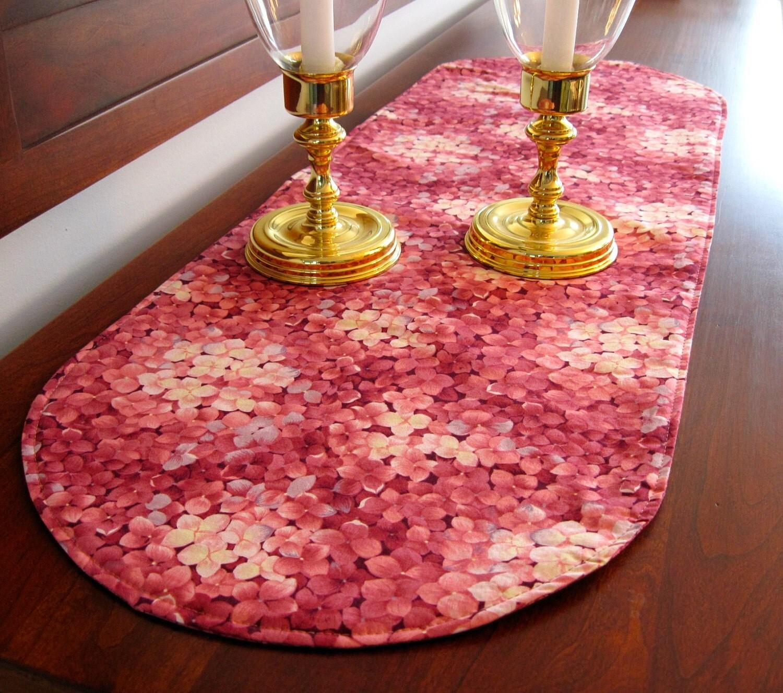 pink hydrangea 36 inch reversible table runner raspberry pink. Black Bedroom Furniture Sets. Home Design Ideas