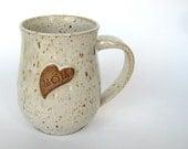 Love Mom mug in speckled oatmeal