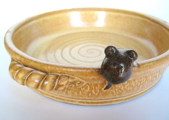Rufus baking/serving dish in French country yellow with a brown mouse