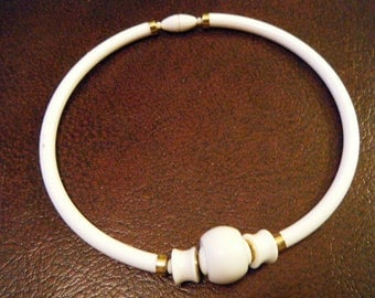 Vintage Choker White Cool