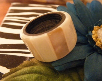 Mother of Pearl Ring Size 6.5