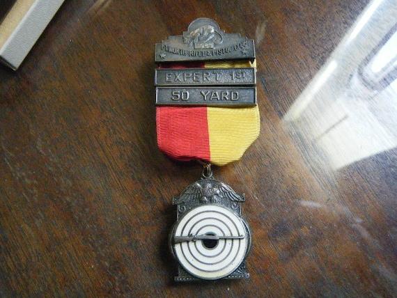 Expert Shooting Medal 1960 Red Yellow White Enamel